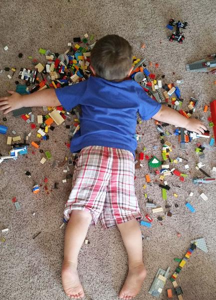 Фото №1 - Детская логика: 20 поступков малышей, от которых родители в ступоре