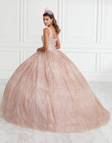 Фото №2 - Платье на выпускной 2021: главные АНТИтренды ❌