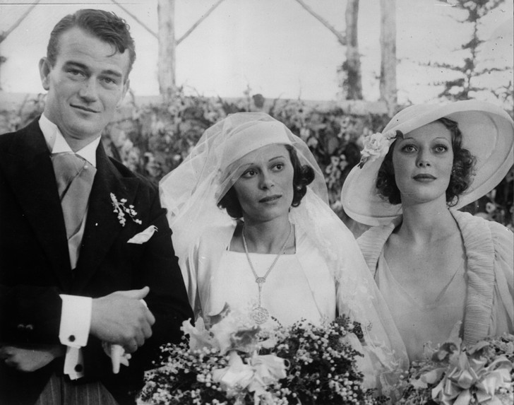 Фото №4 - Как выходили замуж легенды Голливуда: самые красивые ретро-фотографии