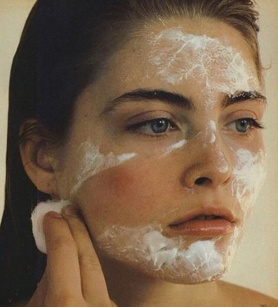 Фото №1 - 5 неожиданных мелочей, которые мешают тебе добиться идеальной кожи