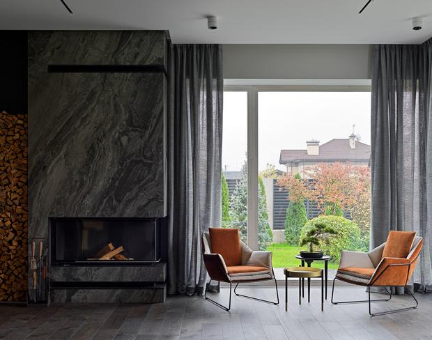 Фото №3 - Дом в Подмосковье 250 м² с камином и большими окнами