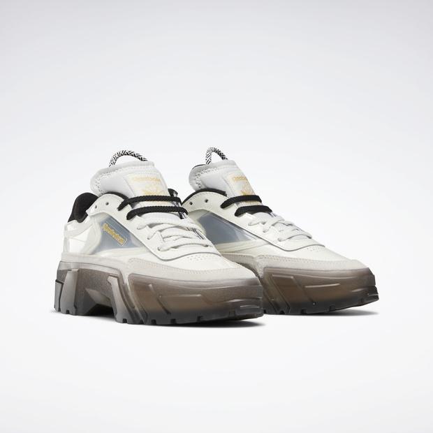 Фото №2 - Reebok выпустили очень модные кроссовки в коллаборации с Карди Би, но купить их можно только сегодня
