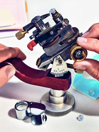Фото №5 - «Бриллианты Тиффани»: что нужно знать о новой выставке бренда в ГУМе