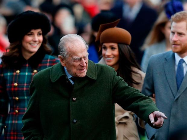 Фото №1 - Как Виндзоры отреагировали на смерть принца Филиппа (и почему все снова осуждают Сассекских)