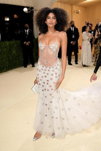 Фото №17 - В стиле сексуальной Одри Хепберн: самые провокационные «голые» платья на Met Gala