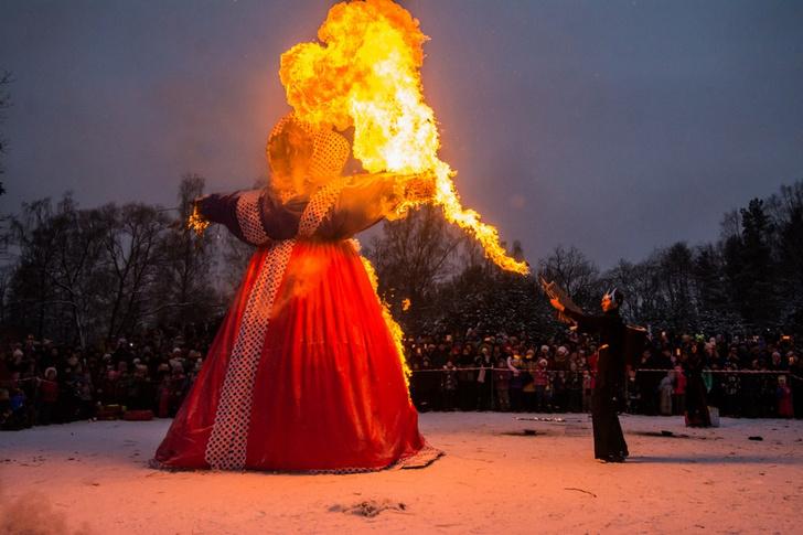 Фото №4 - Провожаем зиму: где в Петербурге погулять на Масленицу