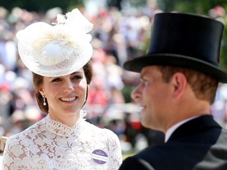 Фото №1 - О чем принц Эдвард предупреждал Кейт, когда она встречалась с Уильямом
