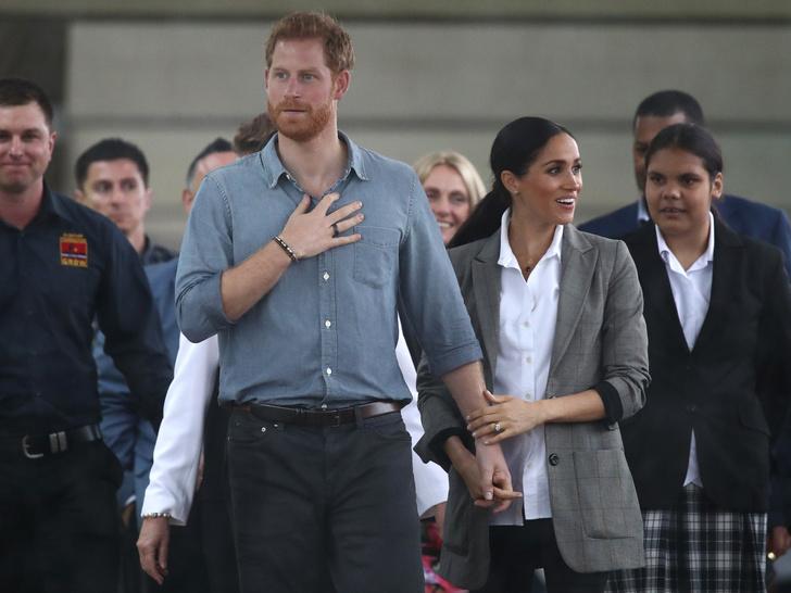Фото №2 - Терпение кончилось: почему никто из Виндзоров не поздравил Меган и Гарри с годовщиной свадьбы