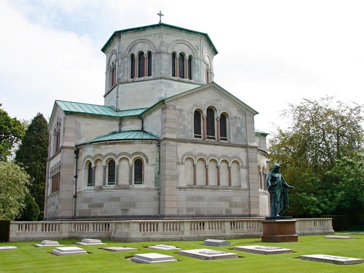 Фото №7 - От королевы Виктории до принцессы Дианы: где похоронены члены королевской семьи