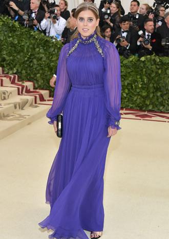 Фото №19 - Все оттенки сирени: как королевские особы носят фиолетовый цвет
