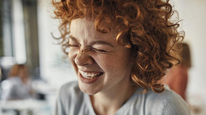 Почему мы смеемся в трудные времена?