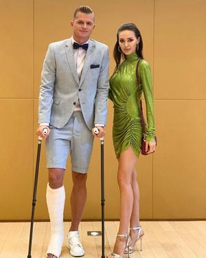 Фото №3 - Как одно и то же платье выглядит на Ольге Бузовой и Анастасии Костенко