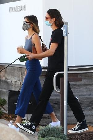 Фото №3 - Кайя Гербер надела джинсы, которые противопоказаны даже моделям