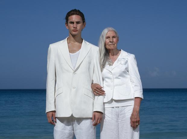 Мужчина и старушка