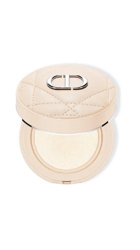 Фото №8 - Зимняя сказка: Dior представляет праздничную коллекцию макияжа Golden Nights