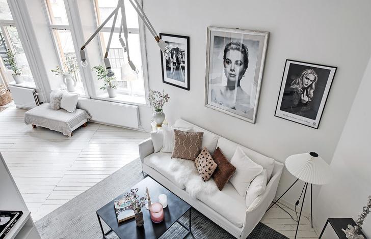 Фото №1 - Маленькая скандинавская квартира со спальней на антресоли