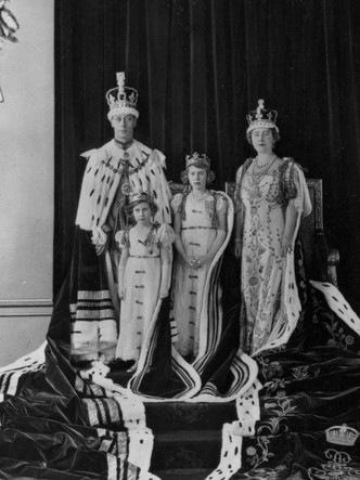 Фото №4 - Обида дочери: что принцесса Маргарет не смогла простить Королеве-матери