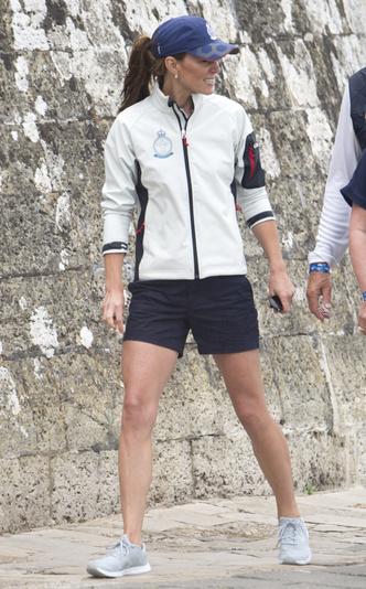 Фото №8 - Любимые кроссовки герцогини Кейт: от спортивных до повседневных