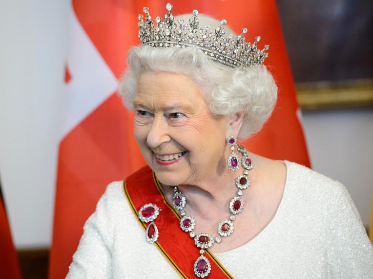 Фото №2 - Главная причина, почему Чарльзу и Камилле стоит уступить престол Кембриджским