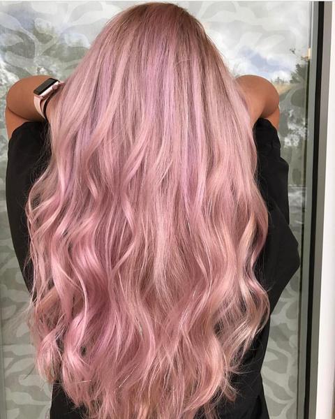 Фото №5 - Как красить волосы в розовый в 2021 году: 8 модных идей