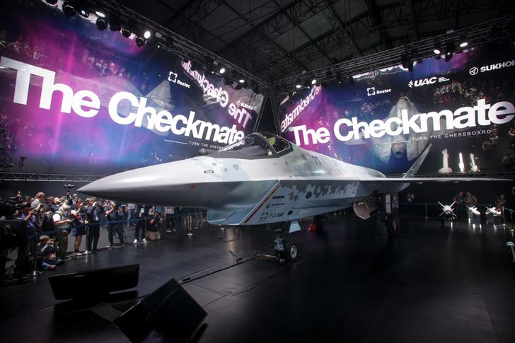 Фото №1 - «Ростех» представил новейший истребитель пятого поколения Checkmate