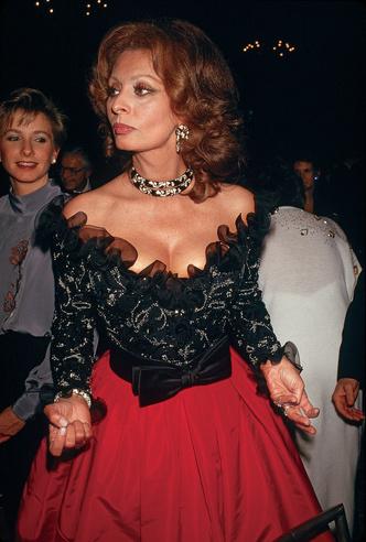 Фото №12 - Драгоценности Софи Лорен: как выглядят украшения, которым завидует весь мир