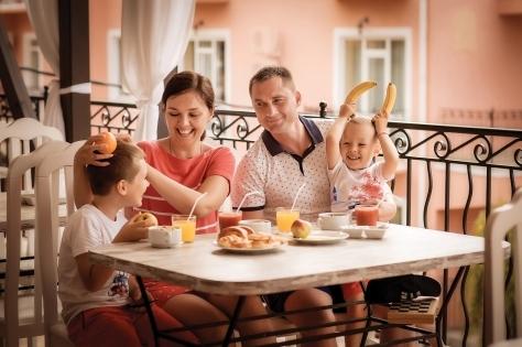 Фото №1 - Фотопроект «Семейные истории» сети черноморских курортов Alean Family Resort Collection: о вечных ценностях и истинной любви