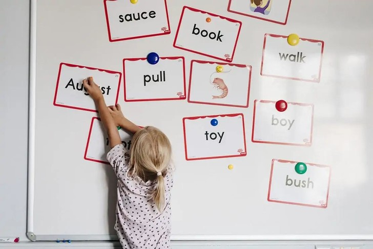Фото №2 - Как помочь ребенку адаптироваться в школе в первый месяц после лета