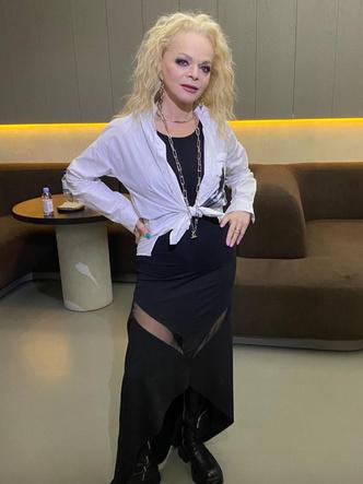 Лариса Долина, звезды, стиль звезд, знаменитости, голливуд, стильные образы, женственность, купить платье