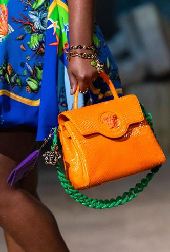 Фото №21 - Самые модные сумки весны и лета 2021