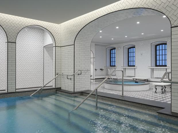 Фото №1 - В Санкт-Петербурге после реновации открываются легендарные Фонарные бани