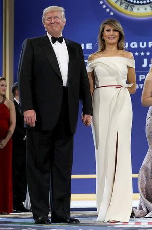 Фото №26 - Королевы Белого дома: самые роскошные инаугурационные платья Первых леди