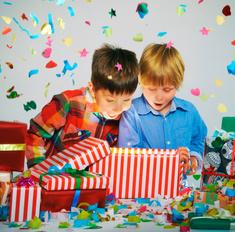 Под елочку: 60 идей новогодних подарков детям