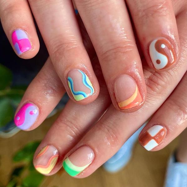 Фото №2 - Креативный маникюр на короткие ногти: 9 стильных нейл-дизайнов