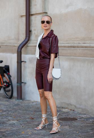 Фото №47 - Самые модные босоножки и сандалии лета 2021