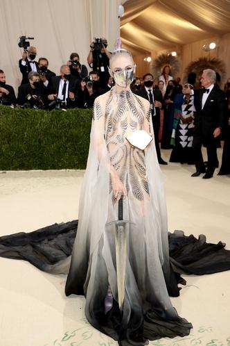 Фото №65 - Met Gala 2021: все модные образы бала Института костюма