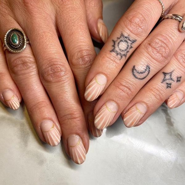 Фото №4 - Маникюр на море: лучшие варианты пляжных ногтей