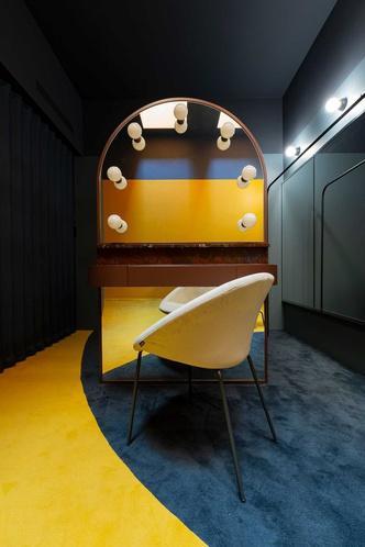 Фото №9 - 17 архитектурных бюро переосмыслили гримерки Театра Арчимбольди в Милане