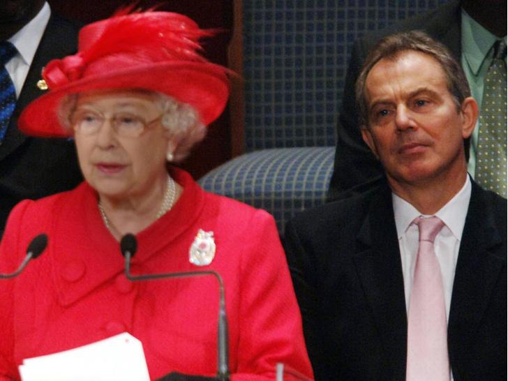 Фото №2 - Личный враг Елизаветы II: что Королева не может простить бывшему премьер-министру Британии