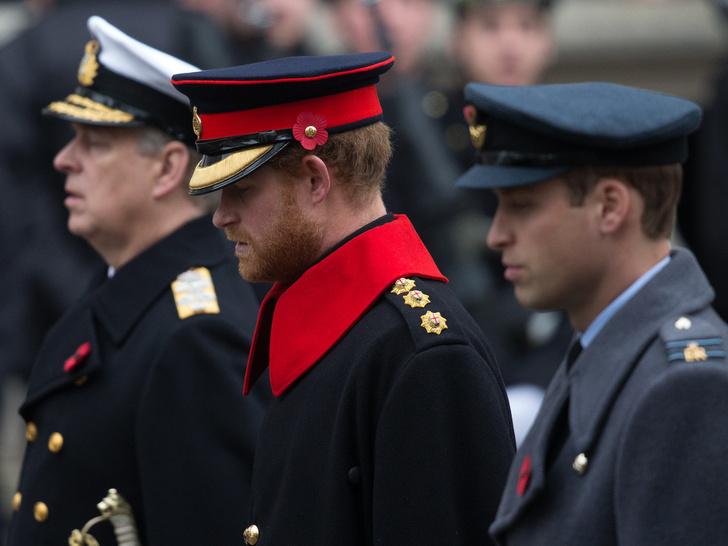 Фото №2 - Возвращение домой: почему Гарри боялся ехать на похороны принца Филиппа
