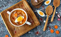 Суп по-польски с квашеной капустой и яйцом