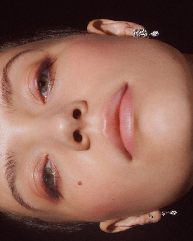Фото №5 - Новые украшения Chanel, вдохновленные любимой цифрой Мадемуазель. Вы уже догадались какой?