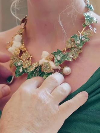 Фото №18 - Королевский размах: шесть свадебных платьев леди Китти Спенсер
