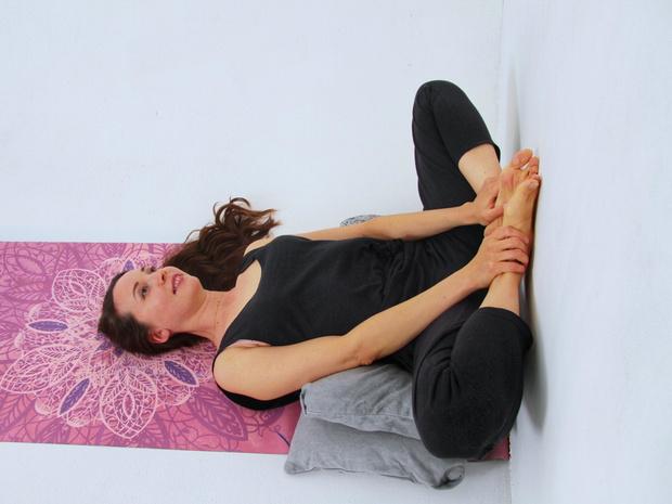 Фото №8 - 4 способа наладить гормональный баланс с помощью йоги