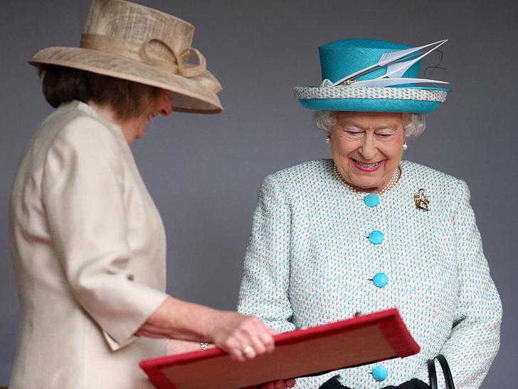Фото №4 - Странности Короны: почему Елизавета II носит титул герцога Ланкастера (а не герцогини)