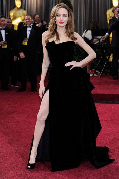 Фото №1 - Женские рекорды «Оскара»: победы, скандалы и конфузы звезд