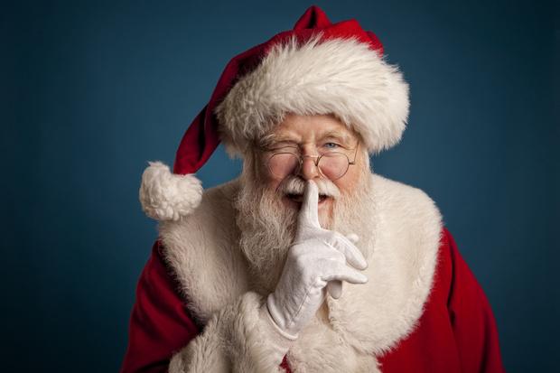 Фото №1 - Почему нельзя говорить ребенку, что подарок принес Дед Мороз