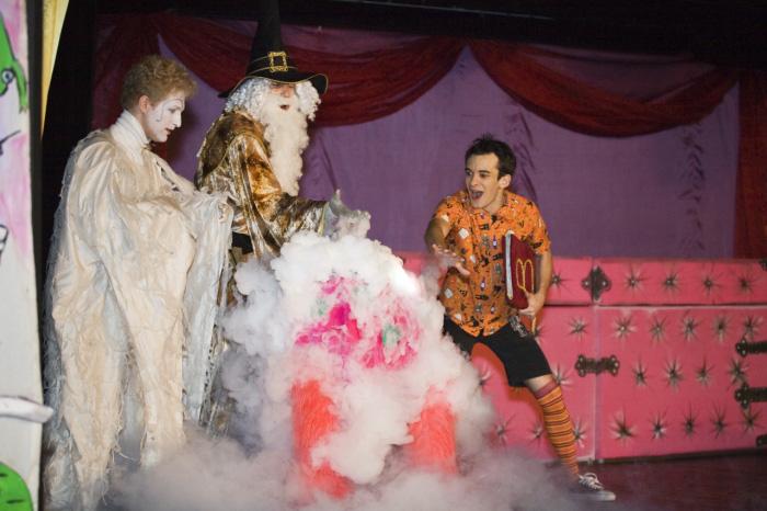Фото №10 - Театр «Кураж» дарит маленьким зрителям «День в театре»