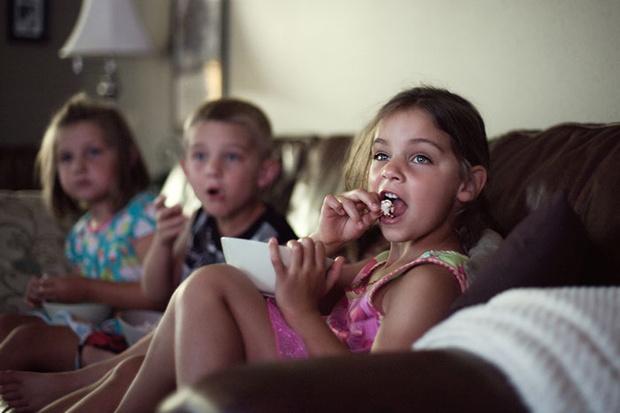 Фото №2 - Ребенок и реклама: минусы и плюсы рекламной паузы