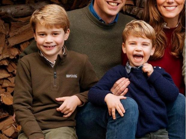 Фото №1 - Самое странное королевское правило, которому был обязан следовать Джордж (но не Луи)